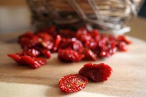 Pomodori secchi, ingrediente base di un piatto tipico ebolitano: il ciauliello
