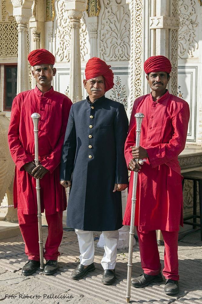 Viaggio in India - Jaipur Guardiani Palazzo Reale