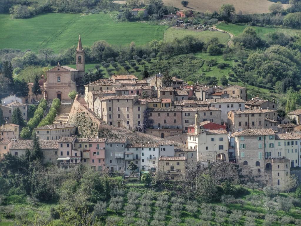 Cartoceto - Visuale del Castello ph Andrea Contenti