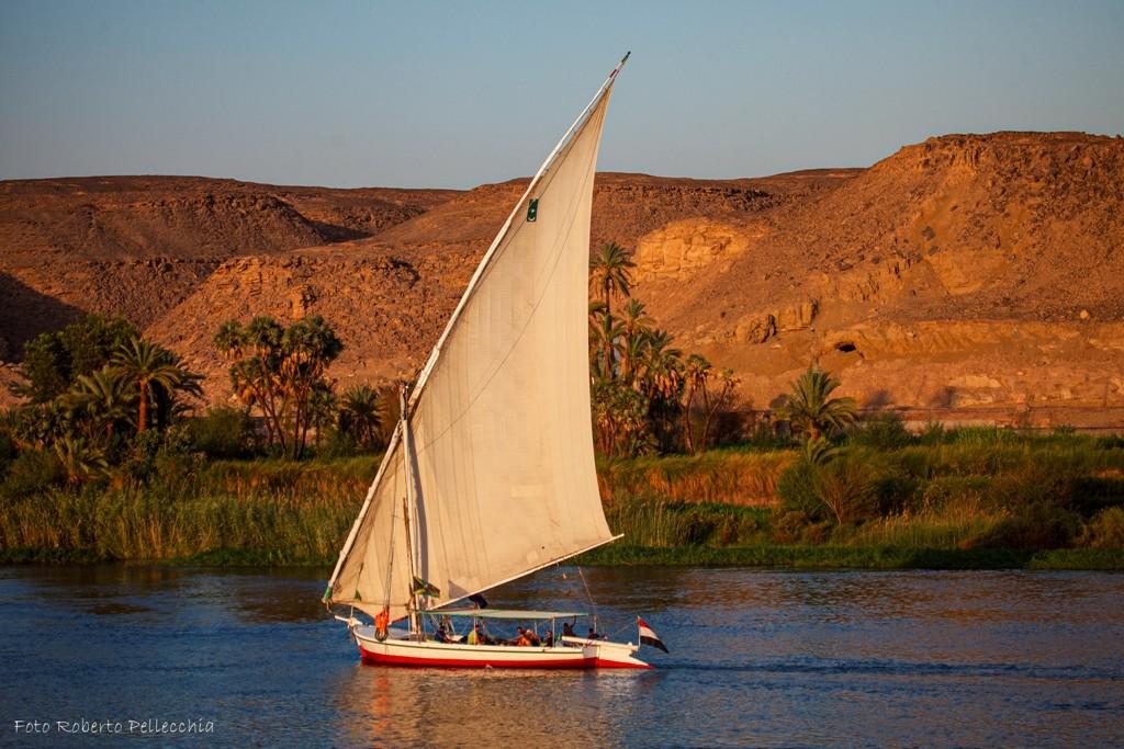 Egitto 15 fb feluca sul Nilo