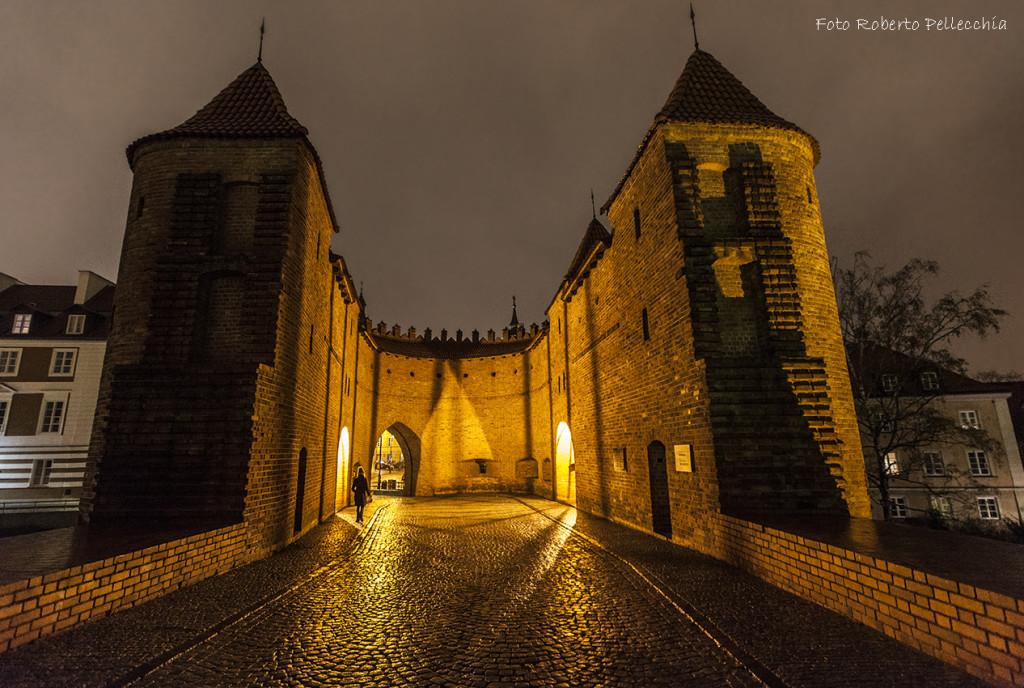 Fb17 Varsavia castello medievale di notte