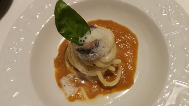 """In cucina con Fosca. """"Solis Paestum"""": spaghetti, alici e burro di bufala"""