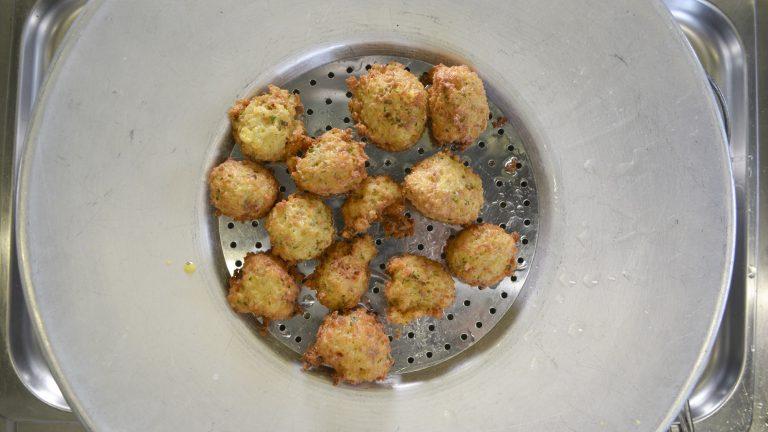 """Ricette Contadine. Le """"polpette di pane"""" di Francesca Gerbasio"""