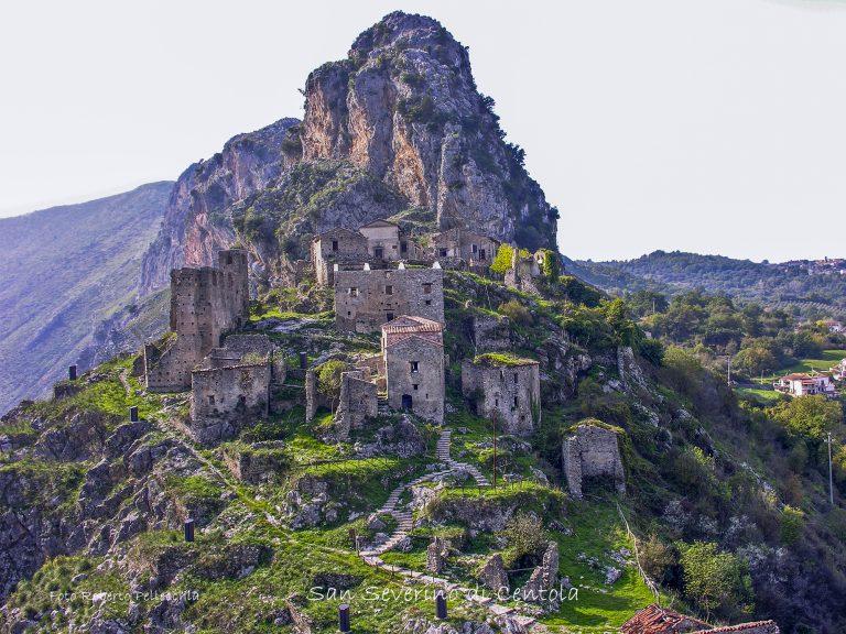 Fantasmi. I borghi abbandonati della Campania